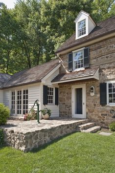 Stone Exterior Farmhouse - Wallace House restoration by Peter Zimmerman Old Stone Houses, Old Houses, Stone Exterior Houses, Farm Houses, Exterior Siding, Modern Houses, Exterior Paint, Stone House Revival, Cottage Shabby Chic