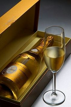 How about a bit of the bubbly. Wine Drinks, Cocktail Drinks, Alcoholic Drinks, Cocktails, Beverages, Pinot Noir, Whisky, Louis Roederer, Vodka