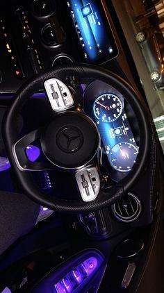 Bild Girls, Best Car Interior, Bling Car Accessories, Luxury Couple, Lux Cars, Luxury Lifestyle Women, Mercedes Car, Beautiful Men Faces, Applis Photo