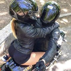 Ideas Motorcycle For Women Motorbikes Biker Chick For 2019 – Classic Cars Biker Couple, Motorcycle Couple, Scooter Motorcycle, Biker Chick, Biker Girl, Motorcycle Women, Motocross, Bike Motor, Kylie Jenner Fotos
