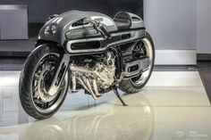 BMW K1600 by Fred Krugger. (via Krugger hits the BMW K1600 for six | Bike EXIF) More bikes here.