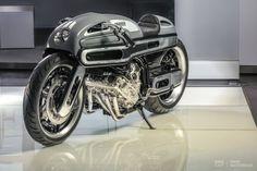 BMW K1600 by Fred Krugger.