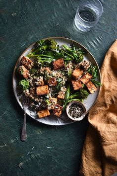 Crispy fried miso tofu, broccolini and furikake rice bowls – Georgeats - Vegan Asian Easy Vegan Dinner, Vegetarian Recipes Dinner, Delicious Vegan Recipes, Healthy Recipes, Healthy Food, Veg Recipes, Broccoli Tofu, How To Cook Broccoli, Cooking Broccoli