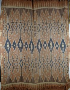 Nicely woven Ikat from Sulawesi , Indonesia. approx 50 years old. 130cm x 160cm http://worldbasket.co.uk/product-category/antique-and-vintage-textiles/