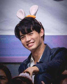 Baby Bunnies, Cute Bunny, Bright Pictures, Grow Together, Actors, Serendipity, Concert, Bring It On, Gold