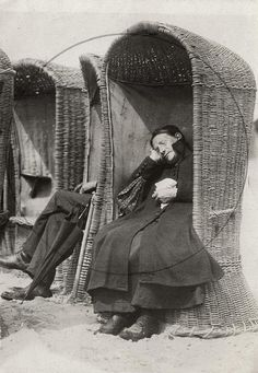 Napping at the beach. Netherlands, 1917. I loved the strandstoelen. Great…
