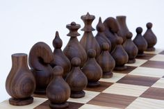 Small Wood Projects, Wood Turning Projects, Chess Set Unique, Wood Games, Horseshoe Crafts, Board Games For Kids, Chess Pieces, Table Games, Wood Art