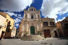 Passeggiando per la #Sicilia... #typicalsicily #Serradifalco Chiesa Santa Maria del Rosario