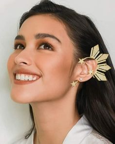 Catriona Earcuff with Rhinestones Available in Plain and With Studs. Liza Soberano Instagram, Lisa Soberano, 3 4 Face, Dont Touch My Phone Wallpapers, Prity Girl, Aesthetic Women, Ear Jewelry, Jewellery, Most Beautiful Faces
