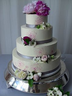 Cakes By Rachel!  Yummy and beautiful cakes!