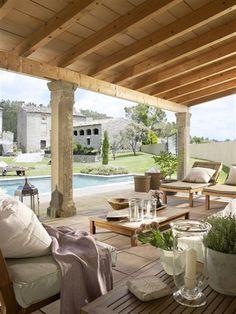Un Porche Distribuido En «L» Y Con Piscina · ElMueble.com · Casa. Covered  PorchesOutdoor ...