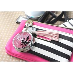 Loving this #pink bag with a pop of stripes and of course our #socialcirclecards make the perfect accessory! : #scc #instadaily #britney #fashionable #social #bloggers #bag #college #fun #love #accessories