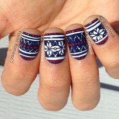 "Red, white and blue ""fair isle"" mani! Creative Nail Designs, Cute Nail Designs, Creative Nails, Xmas Nails, Holiday Nails, How To Do Nails, Love Nails, Fingernail Designs, Sweater Nails"