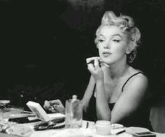 Marilyn Style - #OscarsTheme #HolidayEvent #TrendyLime #Trendies