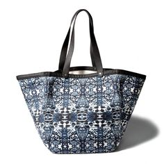 Abercrombie & Fitch Pattern Oversized Canvas Tote (€17) ❤ liked on Polyvore featuring bags, handbags, tote bags, blue pattern, blue purse, blue tote bag, blue tote, white purse and canvas purse