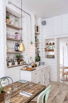 3 Inspired Clever Hacks: Vintage Home Decor Chic Shelves vintage home decor inspiration open shelves.Vintage Home Decor Cottages French Country vintage home decor diy dollar stores.Vintage Home Decor Inspiration Mirror. Kitchen Decor, Kitchen Inspirations, House Design, House Interior, Vintage House, Home, Interior, Kitchen Design, Home Decor