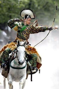 gdfalksen:  An archer dressed in traditional samurai garb displays Yabusame (archery while on horseback). Japan. Image via Pinterest