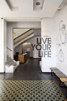 Leer Arquitectura: St Christopher's Inn Barcelona, España / Labmatic