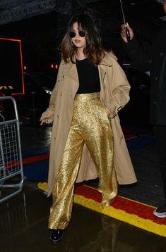Selena Gomez Trajes, Selena Gomez Outfits, Selena Gomez Style, 70s Fashion, Star Fashion, Fashion Tips, Fashion Trends, Classy Fashion, Korean Fashion
