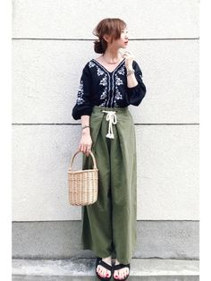 instagram@rainbowkwok2 * コメントやDMは、 instagramにお願いし Japanese Fashion, Japanese Style, Trousers, Pants, Asian, Chic, My Style, How To Wear, Orange