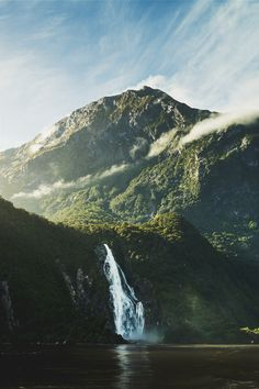 Milford Sound II (Simon Thomas)