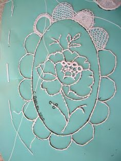 Tambour Embroidery, Hardanger Embroidery, Embroidery Stitches, Embroidery Patterns, Hand Embroidery, Needle Lace, Bobbin Lace, Bruges Lace, Lacemaking