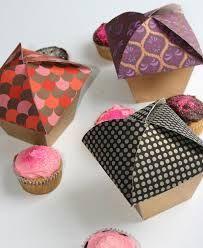 50 Deliciously Creative Bakery & Cake Packaging Designs - Jayce-o-Yesta Bake Sale Packaging, Cupcake Packaging, Baking Packaging, Smart Packaging, Brand Packaging, Packaging Ideas, Cupcake Wrapper, Luxury Packaging, Cupcakes