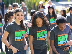 Kira Kosarin Photos: Nickelodeon Get Dirty Earth Day at LA Zoo