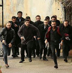 Turkish Men, Turkish Actors, Series Movies, Tv Series, Turkey Fan, Crochet Bows, Couple Goals, Poetry, My Favorite Things