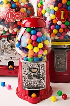 Three Bubble Gum Machines by Garry Gay gumball machines - makes some money and a great centerpiece. how about gumballs with the names too! Bubble Gum Machine, Gumball Machine, Vending Machine, Candy Store, Lego Ninjago, Buttercream Frosting, Candyland, Rainbow Colors, Bubbles