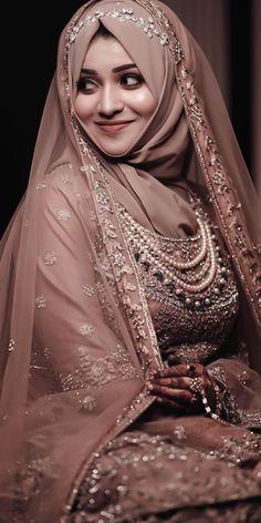 Muslim Wedding Gown, Muslimah Wedding Dress, Muslim Wedding Dresses, Hijab Bride, Wedding Dresses For Girls, Pakistani Fashion Party Wear, Pakistani Wedding Outfits, Indian Bridal Outfits, Bridal Hijab Styles