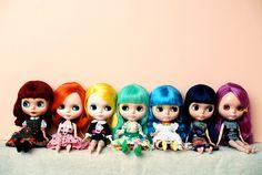 Queria ter dinheiro pra um arco íres de cabelos #Blythe