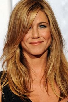 Google Image Result for http://www.blogcdn.com/main.stylelist.com/media/2010/03/jennifer-aniston-fragrance-deal.jpg