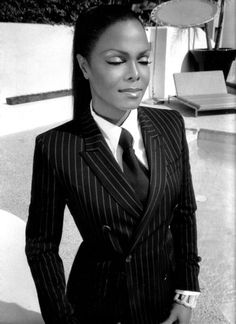 Janet Jackson in a suit ♔