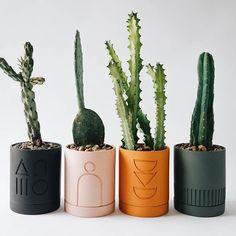Etch Planter - Golden – Happily Grey Home Diy Clay, Clay Crafts, Diy And Crafts, Eco Deco, Keramik Design, Painted Plant Pots, Fleurs Diy, Decoration Plante, Diy Décoration