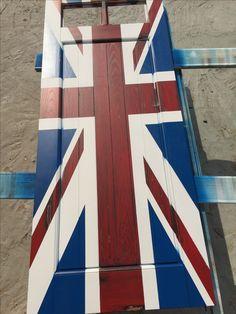 Дверь лофт с выкрасом под Британский флаг