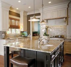 anne hepfer designs: amazing two-tone kitchen with ivory shaker