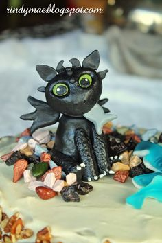How To Train Your Dragon Birthday Party - Toothless Cake