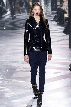 Louis Vuitton - Pasarela | Galería de fotos 45 de 55 | VOGUE