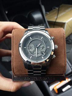 Michael kors watch for men. Boyfriends birthday present. Mens gift ideas. Best idea ever.