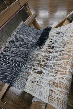 110001 Loom Weaving, Hand Weaving, Textiles, Textile Fiber Art, Schizophrenia, Open Weave, Weaving Techniques, Fabric Art, Textile Design