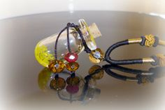 Aroma-Necklace - a nice & new way for aromatherapy Essentials, The Secret, Essential Oils, Necklaces, Yellow, Bottle, Nice, Corks, Great Gifts