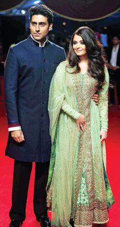 Jav I Abishek and Aishwarya Rai Bachchan Bollywood Stars, Bollywood Fashion, Actress Aishwarya Rai, Aishwarya Rai Bachchan, Indian Wedding Outfits, Indian Outfits, Pakistani Dresses, Indian Dresses, Anarkali Gown