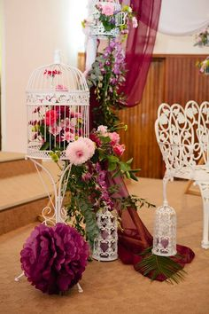 Aranjament floral in colivie Bird Cages, Vintage Stuff, Amazing, Image, Antiques, Birdcages, Bird Cage