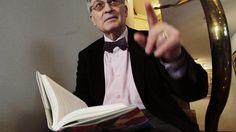 Ángel Viñas: Franco entró en la guerra sin un duro y salió con 388 millones de euros. Noticias de Cultura. Su nuevo libro, La otra cara del caudillo, expone la rapiña económica del dictador y su fascinación por el Tercer Reich