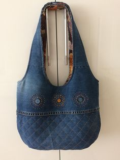 Shoulder bag Blue denim satchel Women's bag Denim patchwork pouch Recycled jeans Gift for a girl /woman Casual bag Eco friendly Upcycled Denim Handbags, Denim Tote Bags, Denim Purse, Quilted Handbags, Quilted Bag, Bag Quilt, Blue Jean Purses, Motifs Perler, Bow Bag