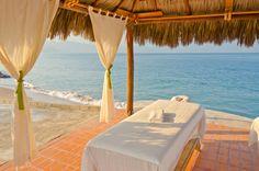 ¿Que tal una sesión de #masajes junto al mar?