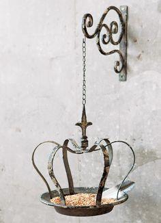 Antiqued Crown Bird Feeder love this it looks like it belongs outside Cinderellas castle