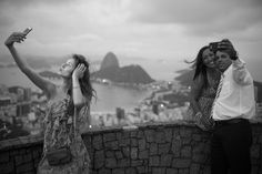 """Fotógrafo da Magnum, David Alan Harvey lança o livro """"Beach Games"""" no Rio, dia 6/2 - ZUM"""