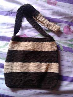 Bolsa tejida a crochet